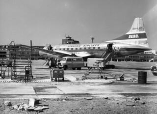 FIN_Finnair_Convair_340_aircraft_at_Heathrow_airport