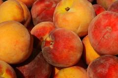 Peaches (Read2me) Tags: food orange yellow fruit many peach cye thechallengefactory superherochallengewinner pregamewinner gamesweepwinner ispywinner