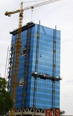 Blumau Tower, Linz (austrianpsycho) Tags: linz crane baustelle kran gebude xxxlutz blumautower