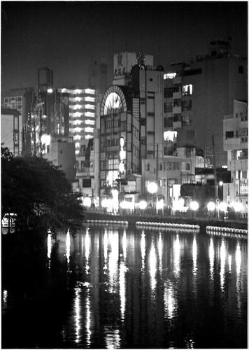 黄金橋から 夜 雨