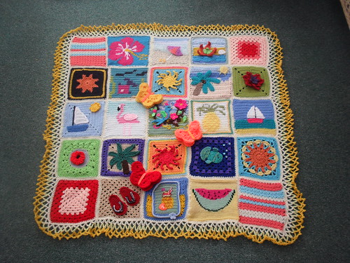 Thanks to everyone that has contributed Squares for this Blanket.It's the first of the 'Tropical theme'. Please 'add note' if you see your Square!