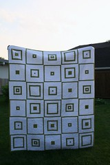 Fresh Quilt for Auntie Laura (Mle BB) Tags: original white green square quilt olive twin logcabin fabric cotton single quilted meander binding stipple twinbed originaldesign nopattern stippled freemotion singlebed robertkaufman konacotton bedquilt modernquilt machinequilted twinsized cmqg chicagomodernquiltguild stipplequilted