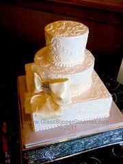 Sally's Brocade Scrolling - 062511 (Glass Slipper Gourmet) Tags: inspiration brooch jewel buttercream scrolling bayareaweddingcakes classicweddingcake elegantwedding sugarbow