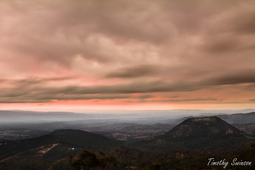 Picnic Point - Tabletop Mountain Toowoomba pre-dawn