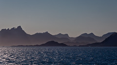 Lofoten wall (albi_tai) Tags: panorama norway backlight montagne landscape norge nikon niceshot post lofoten norvegia postale controluce hurtigruten d90 nikond90 isolelofoten albitai