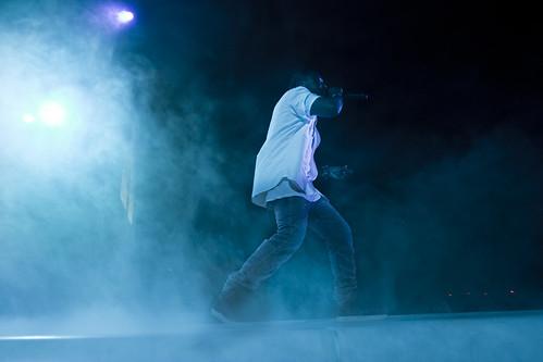 Kanye West fanget publikum