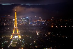 .... night fell ... un flou pas voulu.. (part IV) (Janey Kay) Tags: paris rain evening abend eiffeltower toureiffel bp raining soir regen tourmontparnasse parisbynight nikkorfisheye105mm august2011 janeykay raininparis lensbabycomposer nikond300s jkxmas samyang85mm14 aot2011
