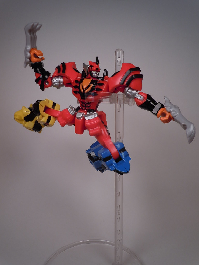Power Rangers Jungle Fury Jungle Pride Megazord Figure Review: Power R...