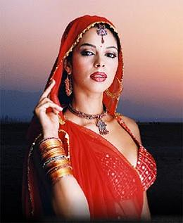Mallika Sherawat in Saree Photos, Mallika Sherawat Hot in Saree Pics, Images, Pictures Gallery