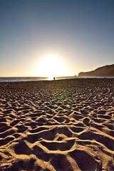 La playa, Nazar - Portugal. (Adesaun) Tags: viaje sol portugal canon de playa puesta vacaciones nazare salir nazar 2011 vacaiones canon50d adesaun