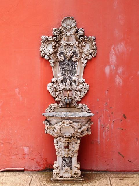 朵瑪巴切皇宮內漂亮的洗手台
