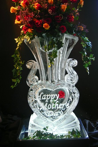 Grand Vase Mother's Day ice sculpture