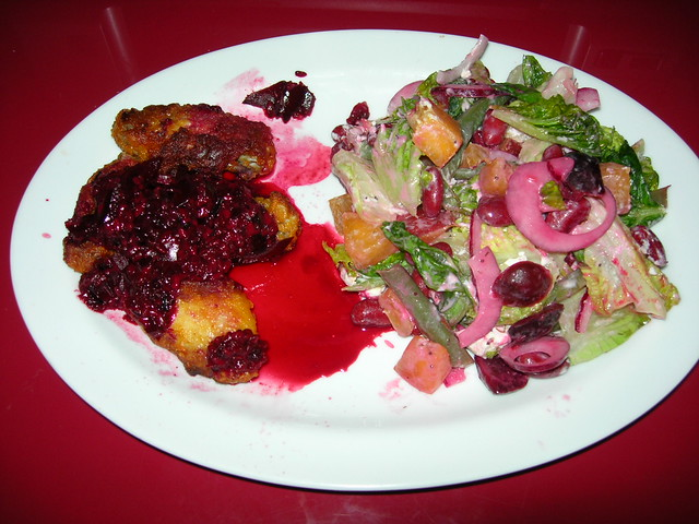 Chicken Wings with Blackberry Sauce & Salad with Lettuce, Green Beans, Kidney Beans, Nectarines, Chevre and Cherry Vinaigrette