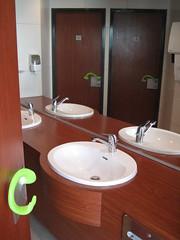 Toilettes (Ulna system) Tags: les de porte mains sans contamination poigne hygine