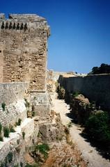 Rodi 1992 (35) (Luca131313) Tags: grecia mura rodos rodi  fossato