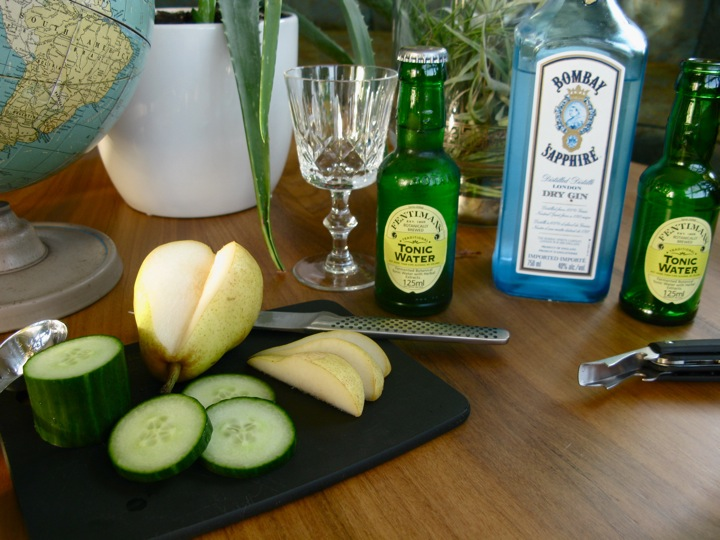 pear gin and tonic cocktail 001