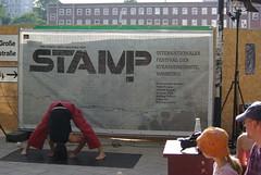 Yoga Kunst (Urban Explorer Hamburg) Tags: streetart festival kunst kultur hamburg altona grose strassenkunst bergstrasse kleinkunst stamp2011