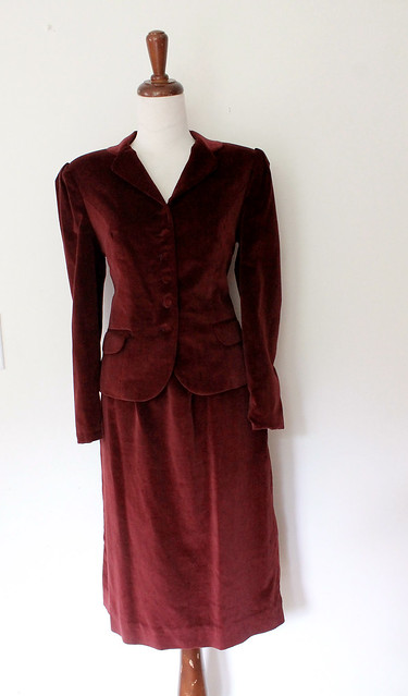 Burgundy Velvet Fitted Skirt Suit, vintage 70s