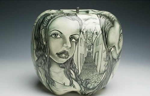 La Matlazihua, underglaze pencil on porcelain