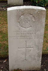 W. Howell, War Grave, 1918, Minster, Army Service Corps (PaulHP) Tags: minster thanet kent cemtery ww1 w howell private asc rasc army service corps 11th november 1918 number t4 085376 cwgc military world war one grave headstone