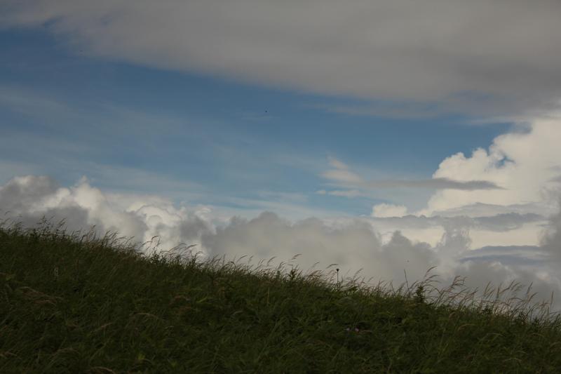 夏の雲と霧ヶ峰