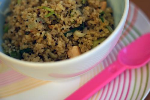 asiatischer bulgur-salat mit pute & lauch