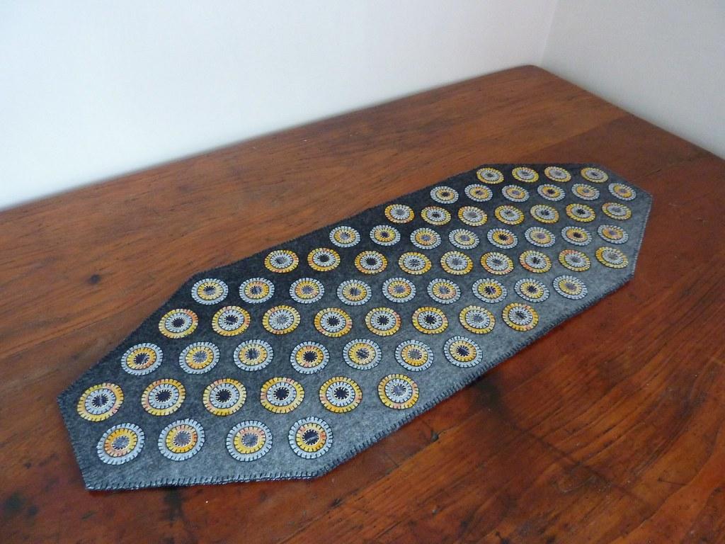 Table Runner - Penny Rug Technique