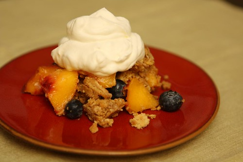 Peach and Blueberries with Speculoos Graham Cracker Crust