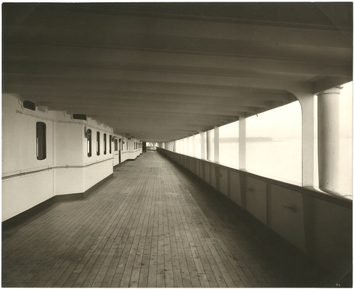 [First class promenade deck, looking forward, Lusitania]
