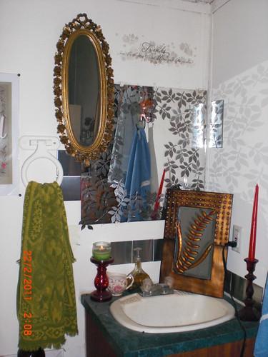 metallic peel-n-stick leaves bathroom mirror projects 005