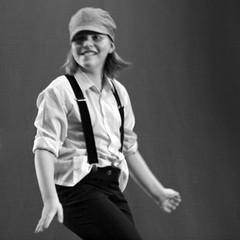 Young Dancer  3103 (Lieven SOETE) Tags: life brussels people art dance movement arte belgium belgique body danza kunst young belgi bruxelles danse movimiento menschen personas persone human corps tanz bewegung bruselas dana brussel humano belgica personnes jvenes corpo junge mouvement joven giovani belgien cuerpo   jeune   umano    humain  2011 krper