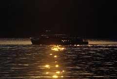 Attraverso il sole (cai56) Tags: sunset summer sun lake water ticino tramonto estate sole 1001nights svizzera acqua riflessi crepuscolo particolare superfici wow1 escursionismo allegrisinasceosidiventa mygearandme