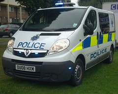 POLICE VAUXHALL (NW54 LONDON) Tags: leds vauxhall corsa 999 vivaro hertfordshirepolice