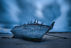 The Wreck (Lars Kehrel) Tags: longexposure blue beach k strand ship pentax d shipwreck 200 bluehour blau wreck stranded sc