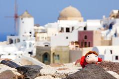 Ponyo on Cliff of Oia Santorini Greece (Ponyo Travel) Tags: travel blue white toys sony aegean santorini greece ghibli alpha 旅行 oia slt studioghibli 宮崎駿 a55 ponyo 崖の上のポニョ ポニョ 波妞 ポニョの旅行 波妞的旅行 hayaomiyazakisea