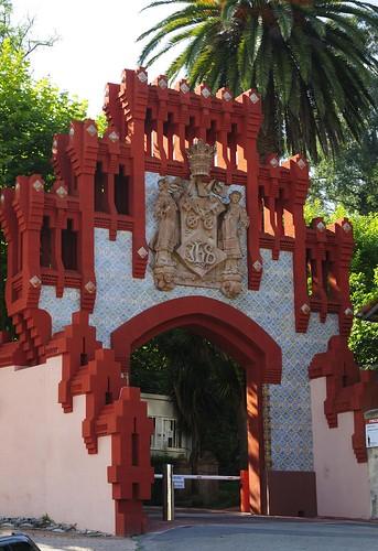 Puerta de la Universidad Pontificia - Comillas - Cantabria