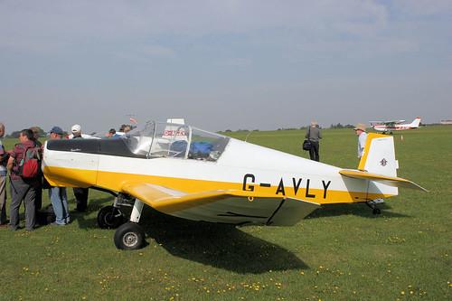 G-AVLY