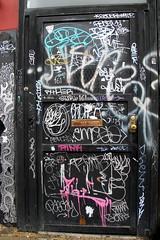 On the LES (LoisInWonderland) Tags: newyorkcity streetart graffiti tag lowereastside