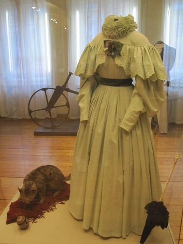 1800-luvun nainen by Anna Amnell