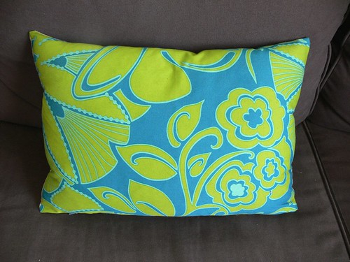 Jenny: 3 Dots Pillow