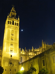 giralda por la noche (danielnanreik) Tags: world madrid blue sleeping white mountain black color roma tree castle church beauty architecture river de real spain catholic view cathedral roman stadium soccer military south muslim disney seville andalucia aqueduct spanish toledo seats segovia alhambra granada universidad alcazar vista moor academy futbol fortress ronaldo alcala bernabeau medievial hernares