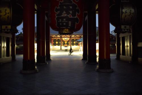 Asakusa, Tokyo at 4:32 am