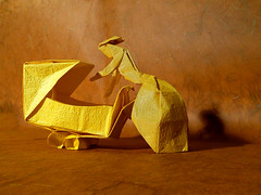 Mother Love (Neal Elias) (Danielle Verbeeten) Tags: art paper origami elias papier kinderwagen motherlove vouwen moederliefde papierkunst neilelias