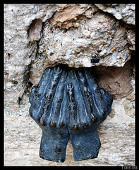 Lamento de Piedra (E STREET MAN) Tags: santa stone canon eos hands tears crying manos escultura pau 1740 lagrimas piedra lamento 50d