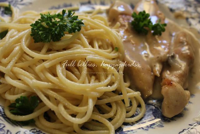 Chicken with mushroom gravy and Garlic Lemon Spaghetti