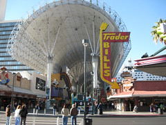 Fremont District, Las Vegas (by: Ian Crowfeather, creative commons license)