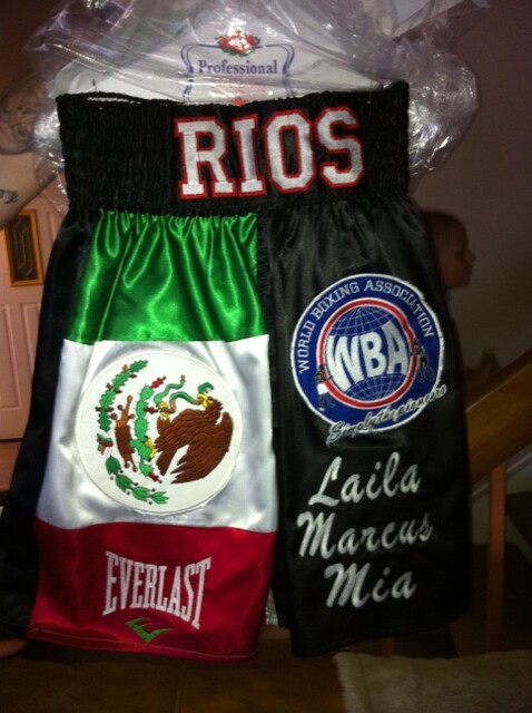Im creating a gift for BRANDON RIOS and his lovely family Vicky and Mia.
