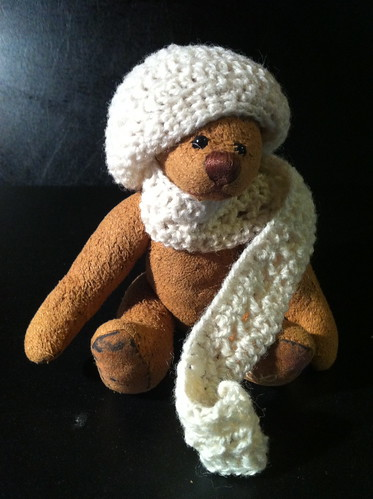 Borromini Bear  and Ea's winter outfit 01