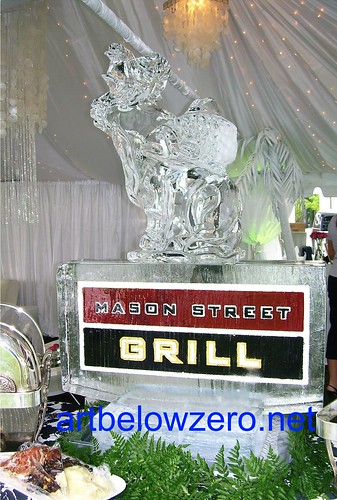 Mason Street Grill ice sculpture