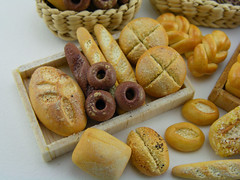 (Shay Aaron) Tags: food miniature baker basket farmersmarket box handmade grain mini polymerclay fimo wholemeal baguette bakery tiny poppy pastry roll loaf 12th 112 twisted bun artisan sourdough ryebread dollhouse petit wholewheat challah ciabatta pumpernickel frensh painaulevain oneinchscale shayaaron